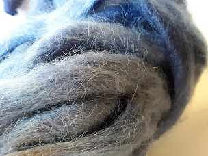 Navy Alpaca dyed pencil roving