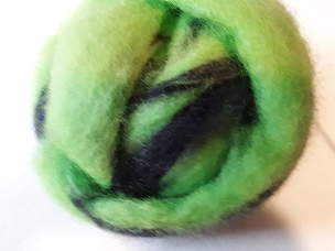 Bright Green/Navy Blue Side-by-Side Fleece Dyed Roving